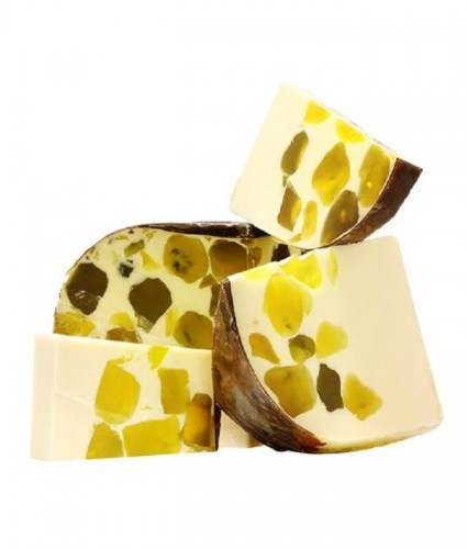 handmade-soap-with-grape-leaf-extract-normal